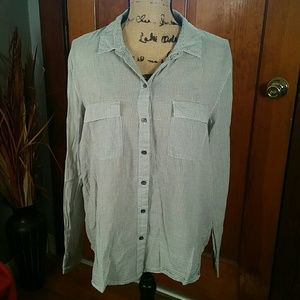 GAP Boyfriend Fit Button Up Blouse